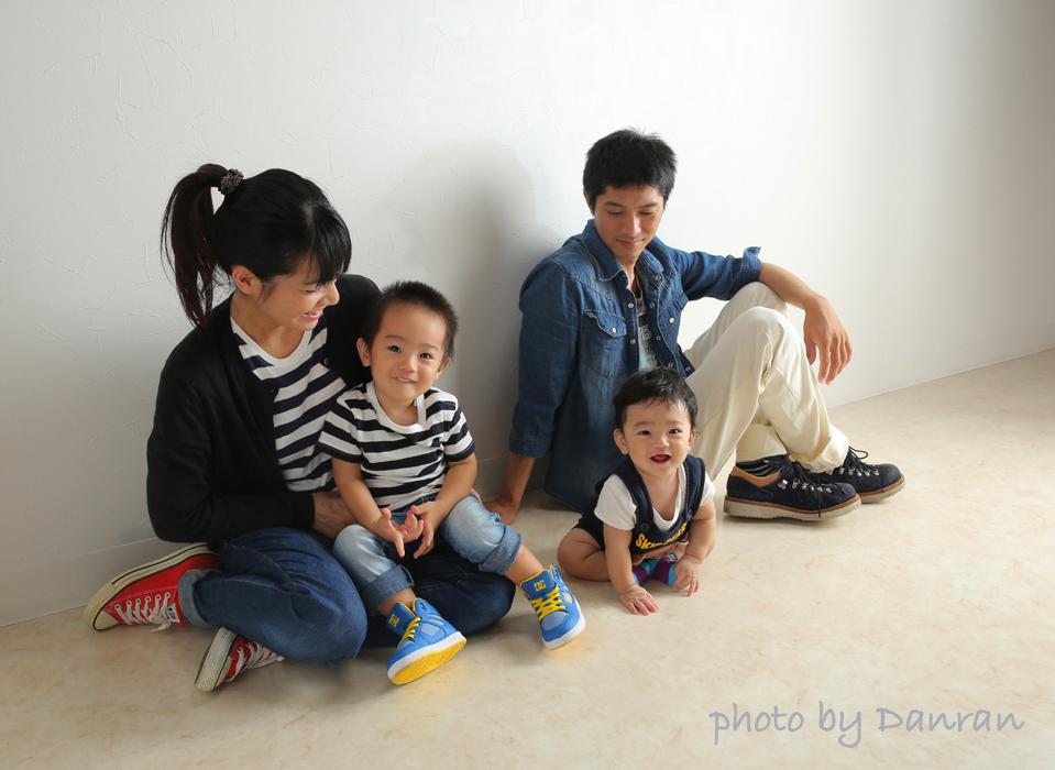 山口県下関市で家族写真の撮影ならだんらんスタジオへ(新下関駅から車で10分)