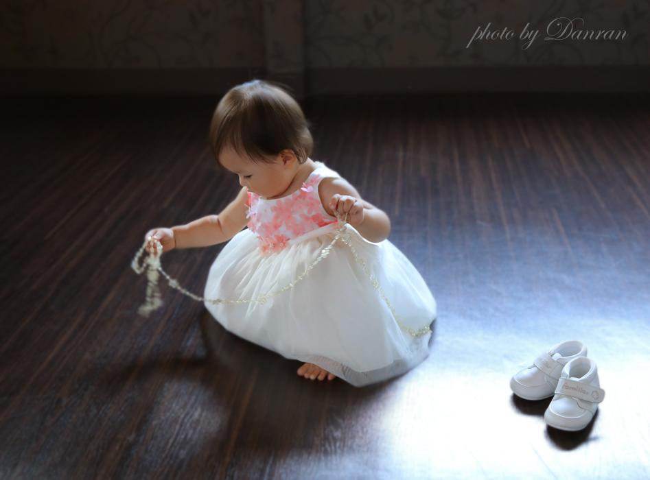 1歳のお誕生日にはプロカメラマンの撮るお写真でもかわいい頃を残してあげましょう|山口県下関市の写真館
