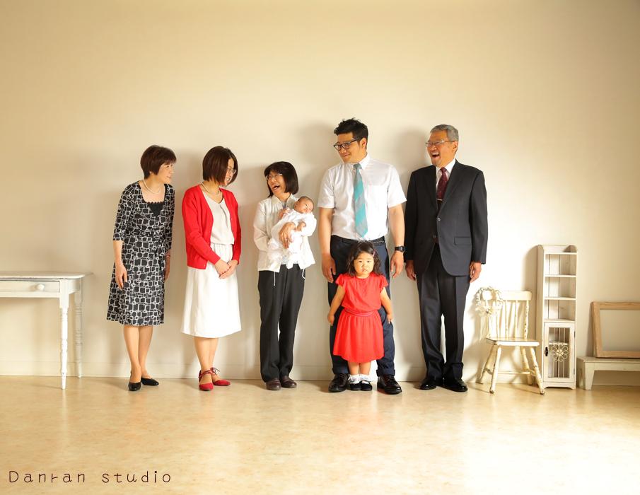 山口県下関市でナチュラルな家族写真が人気の写真スタジオ