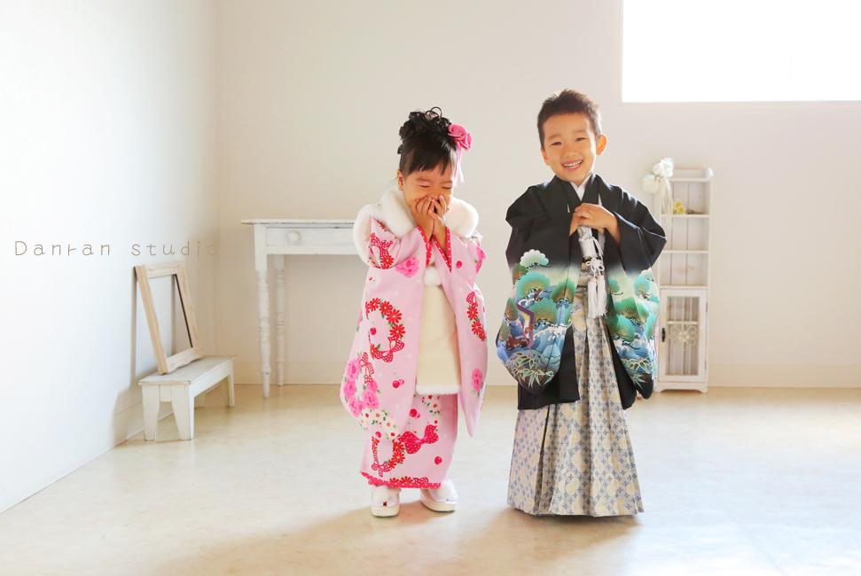 山口県下関市の神社で、七五三参拝の写真や貸衣装はだんらんスタジオ