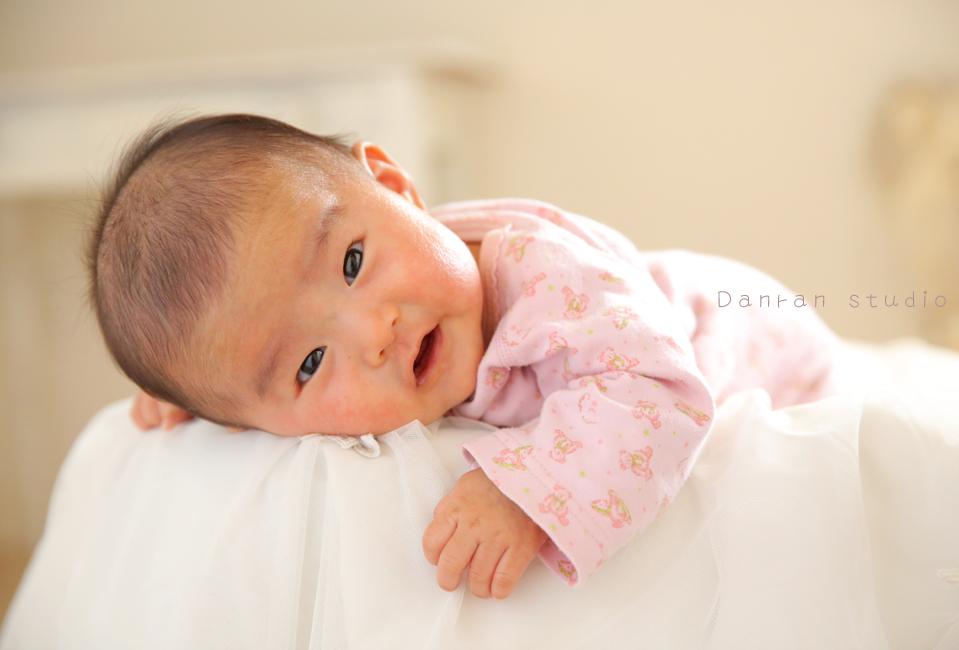 山口県下関でお宮参りや百日祝い、お誕生日記念など赤ちゃんのお写真の写真館ならだんらんスタジオ
