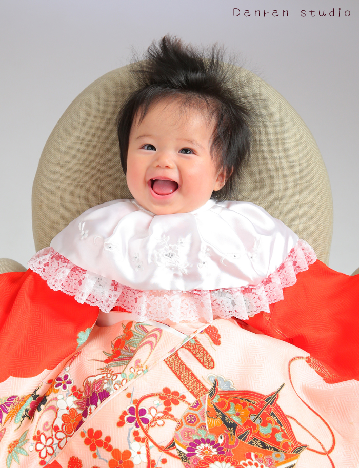 山口県下関市でお宮参り・百日祝いなど、赤ちゃんのお祝いには写真館の記念写真