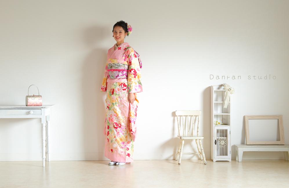 下関市の成人式で振袖のレンタル貸し衣装と写真の撮影ならだんらんスタジオ