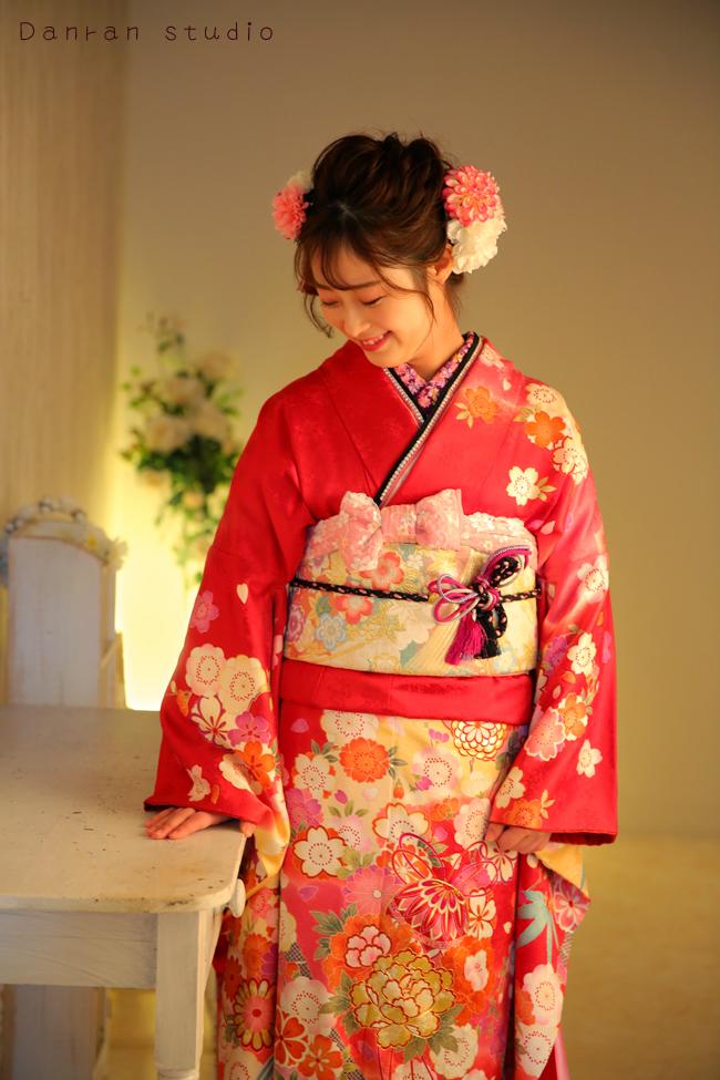 下関市の成人式で記念写真の前撮りや振袖レンタルの貸衣装はだんらんスタジオ