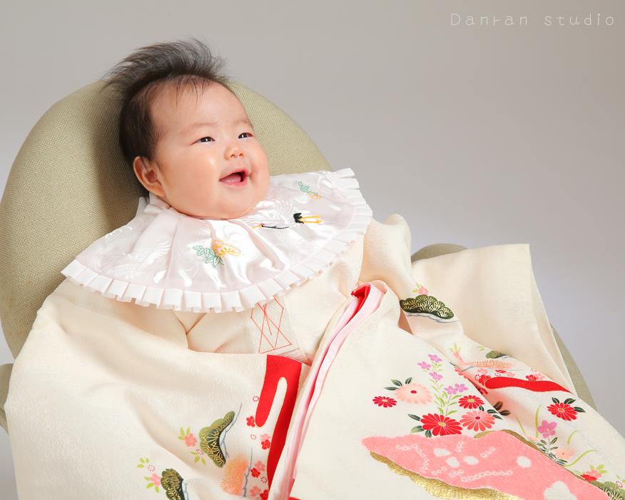 お宮参り・百日祝いなど赤ちゃんのお祝いは、記念写真で残しましょう