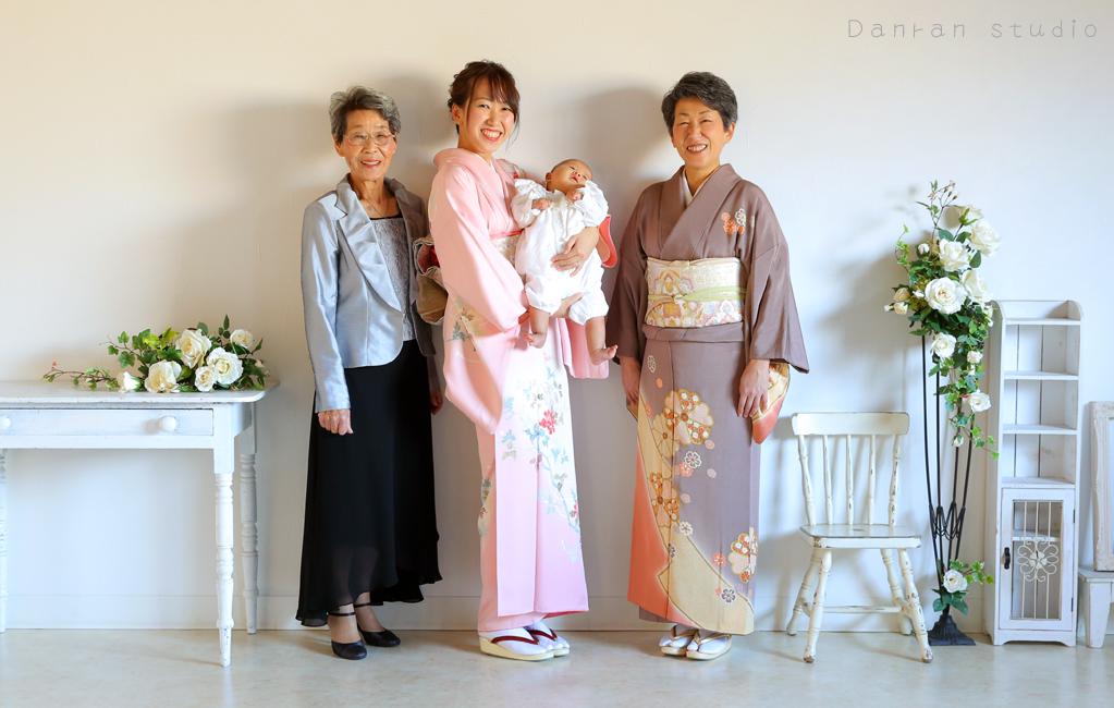 山口県下関市でお宮参り.百日祝い.初節句などベビーフォトを撮影するカメラマンの写真スタジオ