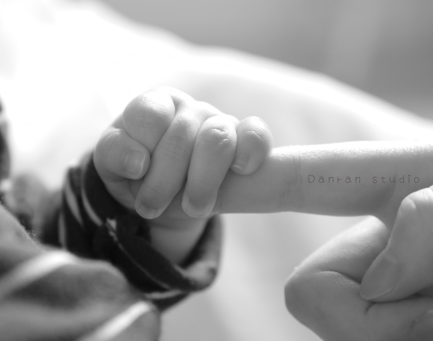 山口県・下関市・山口市・宇部市・山陽小野田市・福岡県・北九州市で、お宮参り百日祝いハーフバースデーなど、赤ちゃんやご家族のお祝いや記念日に子供写真を撮影するカメラマンの写真スタジオ